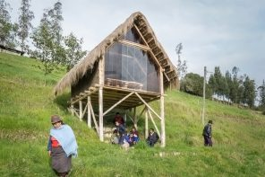 This A-shaped wooden studio is built using the Bahareque method and Ecuador's local resources!