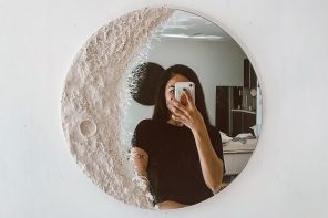 This moon-inspired mirror creates your home's perfect mirror selfie interior!