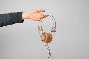These cork headphones are a no screws, no glue, plastic-free sustainable alternative!