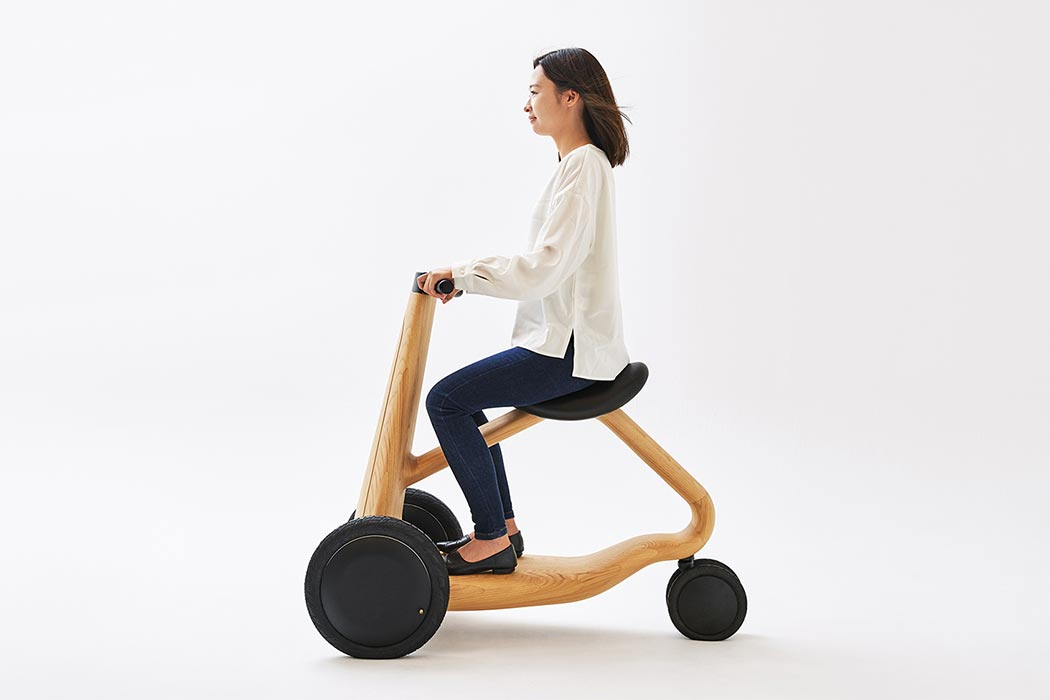This Japanese wooden electric scooter is designed to solve mobility issues!