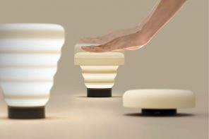 This lamp's collapsible design also controls its brightness