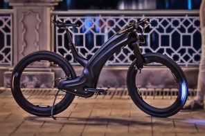 This futuristic e-bike comes with a sleek design featuring hubless wheels and a fingerprint lock!