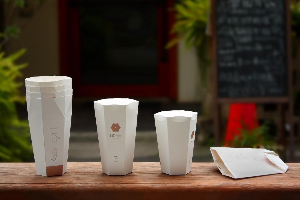 У этой отмеченной наградами кофейной чашки с собой встроенная крышка для оригами!