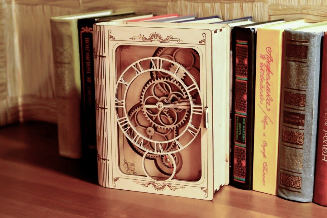 These IKEA-style DIY wooden clocks give you the feeling of being a Swiss clockmaker!