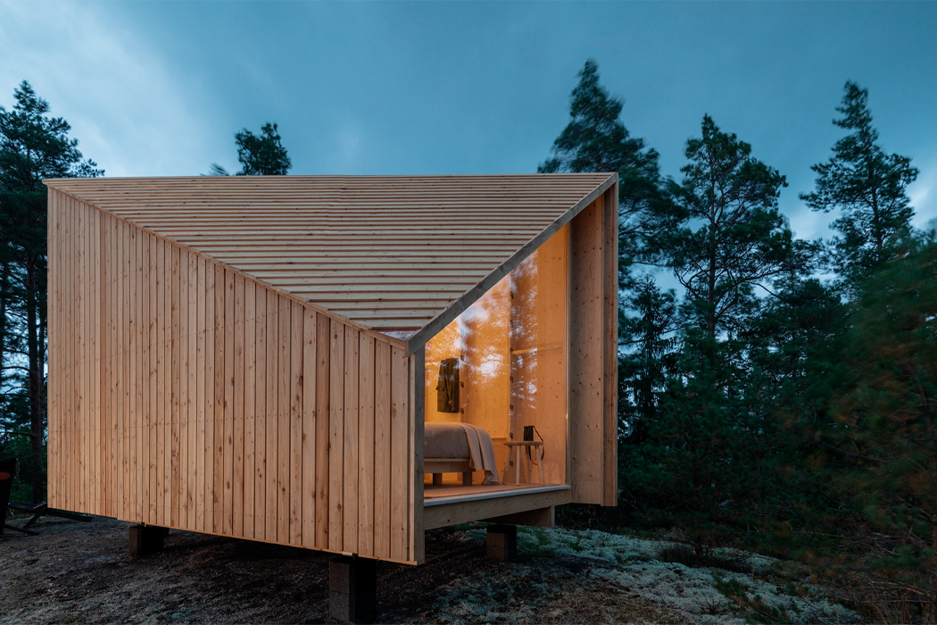 Prefabricated as a gym or an office, this lightweight modular cabin is the answer to 2020's travel blues!
