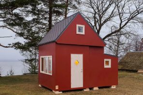 """This """"unfolding house"""" comes prefabricated and can be assembled in less than 3 hours!"""