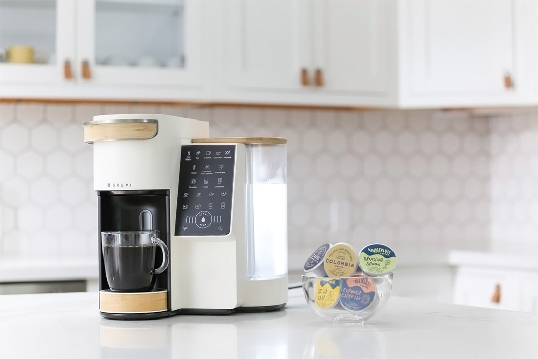 This coffee machine comes with biodegradable single-serve pods so you can ditch your Nespresso & Keuring