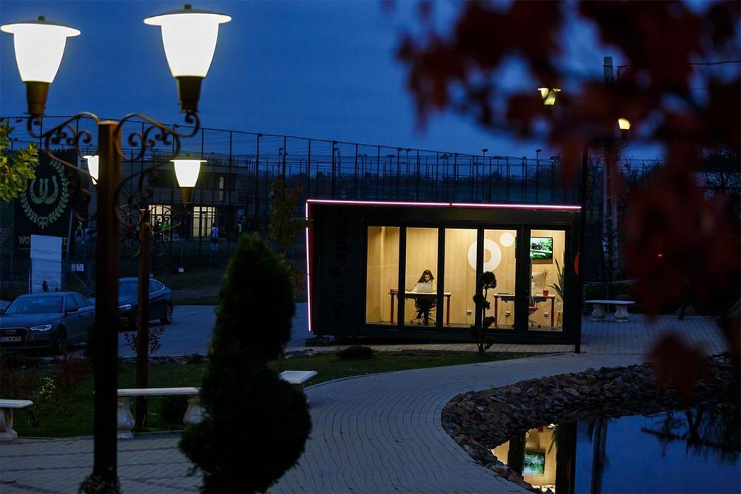 Эти крошечные офисы на заднем дворе сочетают в себе лучшее от Airbnb и WeWork в арендуемых капсулах WFH!