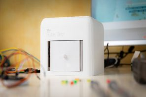Dyson Award-winning Blue Box helps women easily detect breast cancer at home