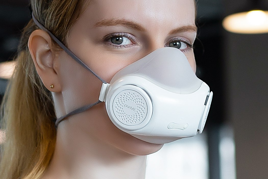 With twin turbines and an internal UV-C lamp, this sleek N95 mask gives you a clean, purified breeze
