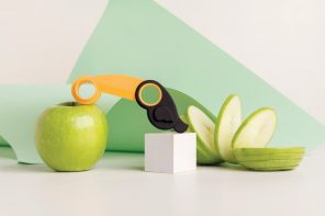 This adorable Toucan-shaped kitchen-tool helps you core and spiralize apples!