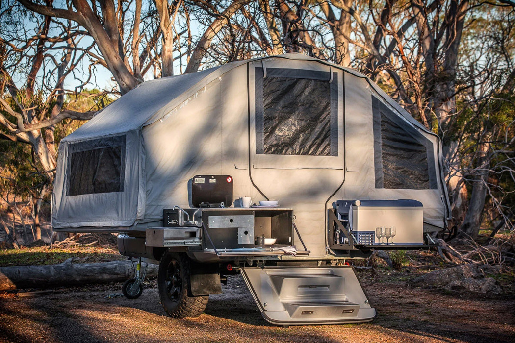 This convenient off-road family camper with full-sized tailgate kitchen is here for your outdoor escapism!