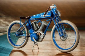 This vintage-inspired racing bike reincarnates as a fully electric, modern day two-wheeler
