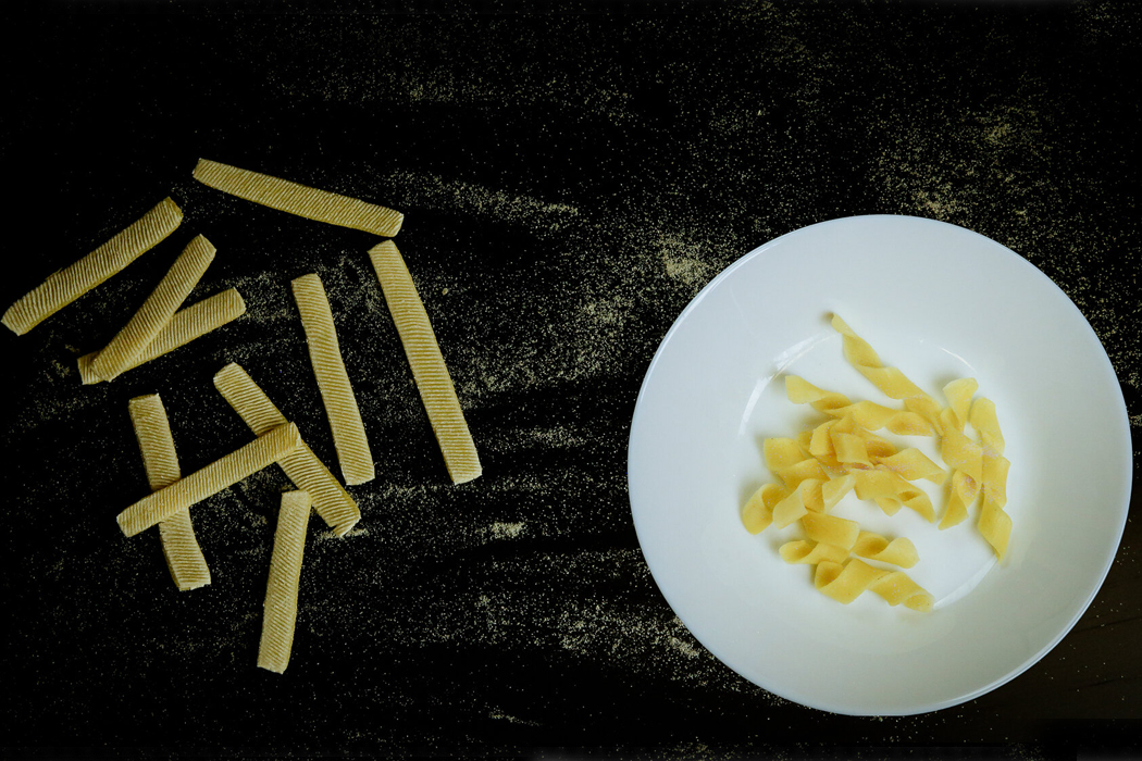 This flat-packed pasta morphs into a 3D shape when cooked, promoting sustainable food packaging!