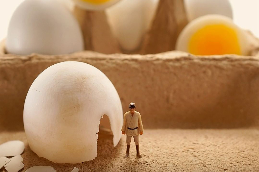 Japanese artist Tanaka Tatsuya twists everyday products in these Star Wars-inspired miniature setups!