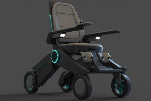 This foldable wheelchair comes with a height-adjustable function, helping users be more independent