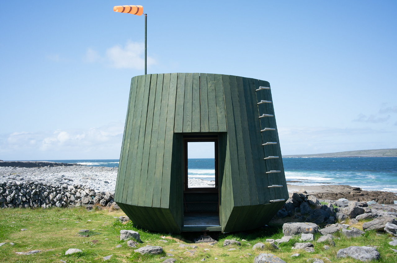 This tiny off-grid studio designed for artists is inspired by ancient boat-building techniques