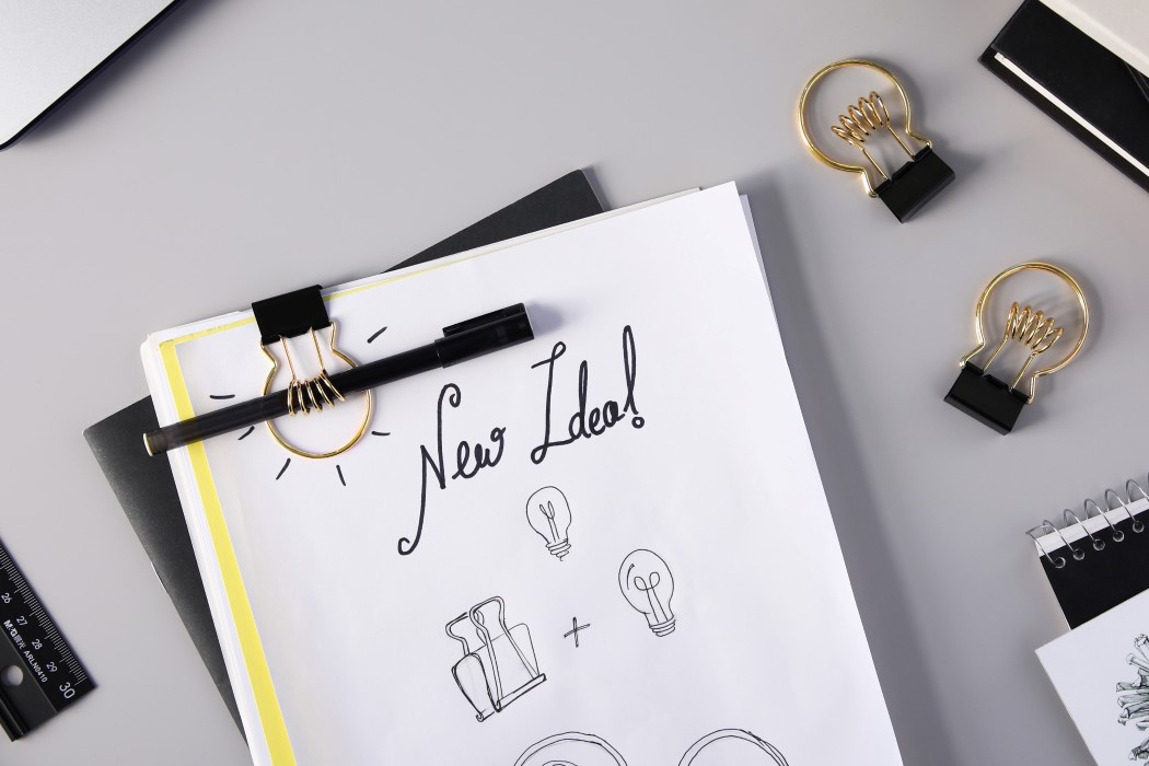 Lightbulb-shaped binder clip also holds your pen for jotting down your next million dollar idea!