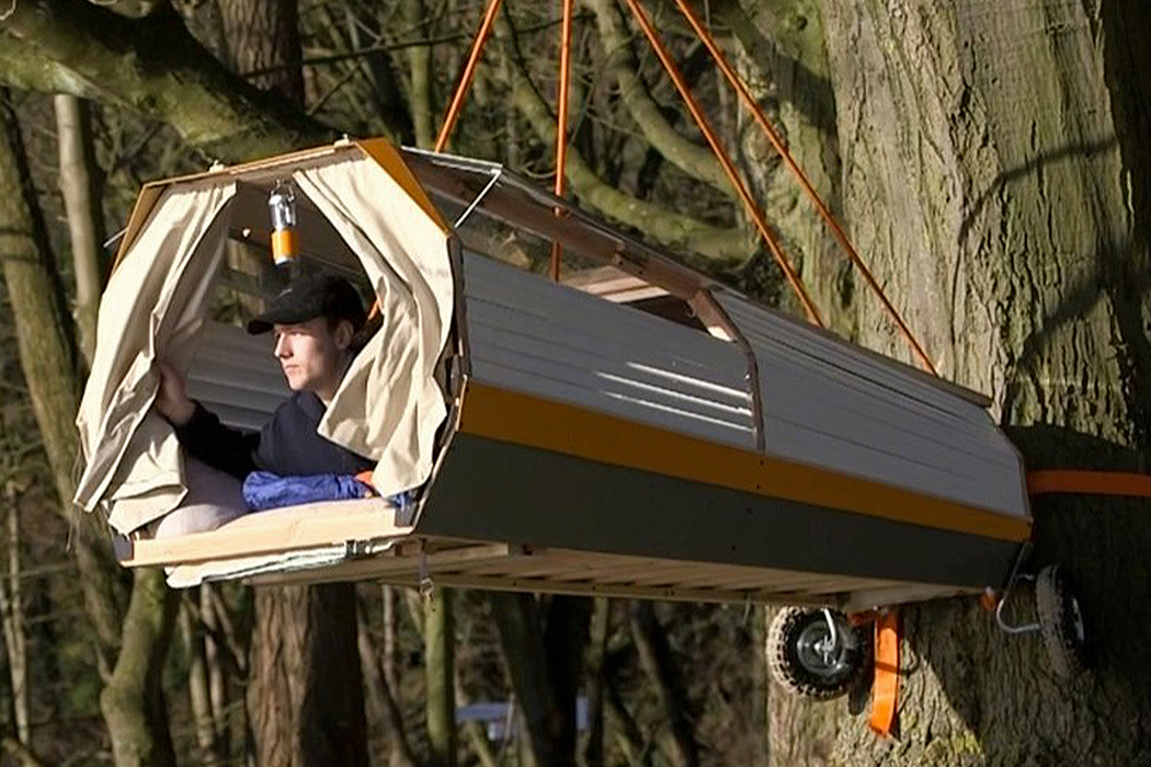 This portable treehouse trailer hooks onto a bike, making it the ultimate solo outdoor escapade!