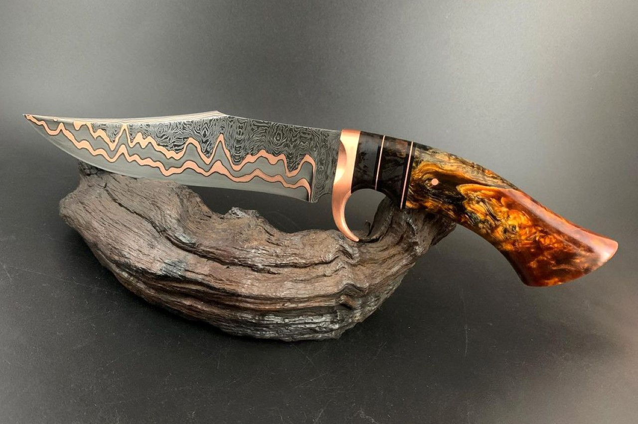 Watch how this breathtaking Copper Damascus knife is forged from start to finish